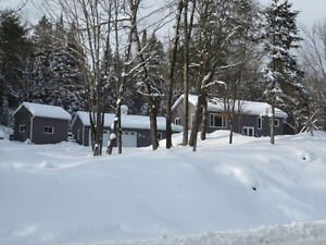 Lovely Home on Almost 3 Acres!! Peterborough Peterborough Area image 1