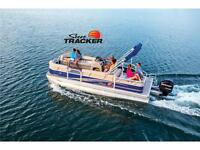 NEW 2014 Sun Tracker Party Barge 22 DLX w/ 90 HP 4 stroke EFI