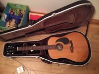 Samick acoustic guitar in case. Discount £40. Need gone asap.