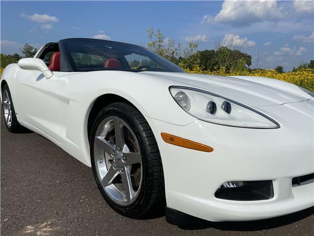 2006 White Chevrolet Corvette  3LT   C6 Corvette Photo 7