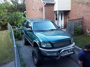 1998 Ford Expedition Chrome SUV, Crossover