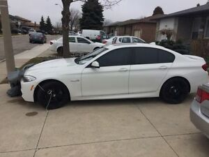 2014 BMW 528i M-Sport pkg x-drive - fully loaded