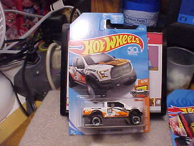 Hot Wheels HW Hot Trucks '17 Ford F-150 Raptor