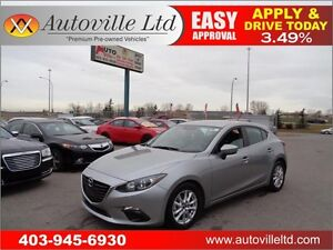 2015 Mazda3 Sport GS Hatch Heated Seats, B.Cam Everyone Approved