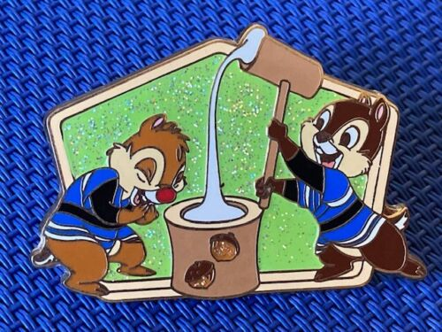 Japan Disney Store JDS - Happy Lucky New Year 2007!! - Chip & Dale Pin