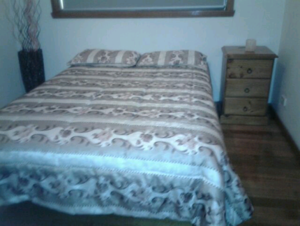 Renting in Thomastown..Furnidhed bedroom now av.....