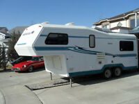 Kodiak 5th Wheel Travel Trailer