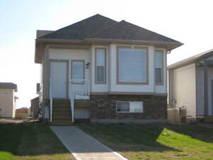 3 BEDROOM 1 BATH UPPER SUITE FOR RENT MARCH 1 INCLUDES WATER