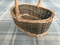 Traditional open wicker shopping/picnic/food baskets