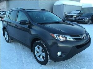 Toyota RAV4 XLE AWD Toit Ouvrant A/C MAGS 2015