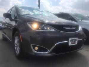 2017 Chrysler Pacifica Touring-L Ex Service Shuttle