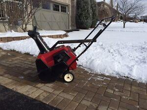 Toro 38413 Snow Blower