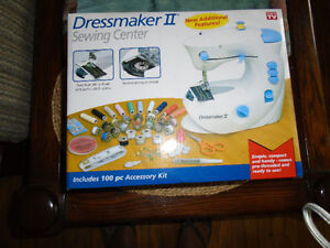 ******EURO-PRO 1100 DRESSMAKER SEWING CENTER MACHINE**** Stratford Kitchener Area image 1
