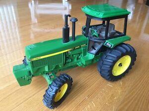 Tracteur John Deere 4955, 1989 jouet, modèle réduit