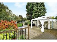 3 bedroom house in Colindeep Lane, Hendon, London, NW4