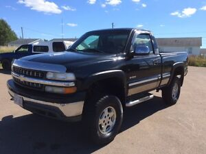 2002 Chevrolet Silverado 1500 SHORT BOX 4X4 Pickup Truck