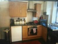 2bed small house to rent in clifton