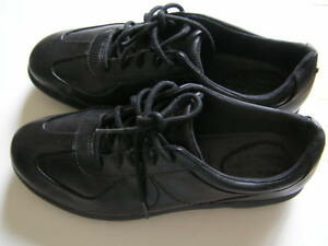 Ladies Womens brand new Rockport walking shoes - size 8