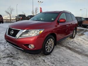 2015 Nissan Pathfinder 4WD SV Heated Seats,  3rd Row,  Back-up C