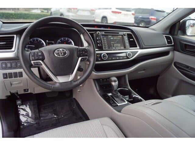 Image 9 Voiture Asiatique d'occasion Toyota Highlander 2019