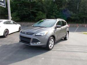 2014 FORD ESCAPE 4WD...FULLY LOADED!! PANORAMA ROOF & MUCH MORE!