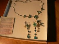 Gorgeous 'All That Gitters' necklace and earring set