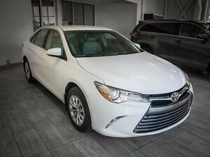 2015 Toyota Camry LE, Touch Screen, Back Up Camera, AUX/USB, Blu Edmonton Edmonton Area image 6