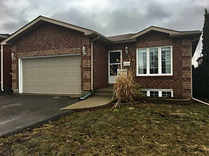 HOME FOR RENT - 3+2 Bedrooms in Barrie