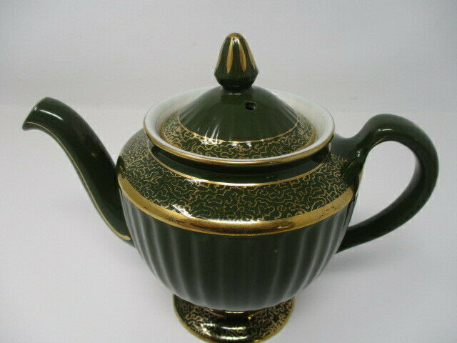 Vintage Hall China LA Style Teapot w/Standard Gold Trim in Forest Green  4 Cup