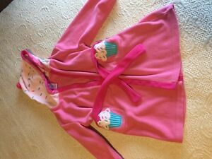 Girls 'cupcake' robe from Gymboree size XS (4) ~ adorable!
