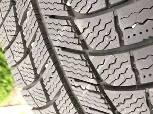 Michelin X-ice Xi3 winter tires - 215/60 R17 - almost new
