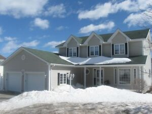 BEAUTIFUL 2 STOREY HOME WIHT 4 BEDRROM IN EXCELLENT LOCATION