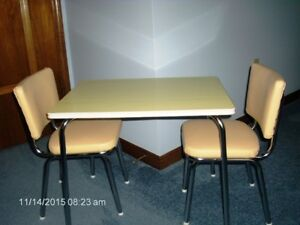 CHILD'S  CHROME  TABLE &  CHAIRS   FOR  SALE