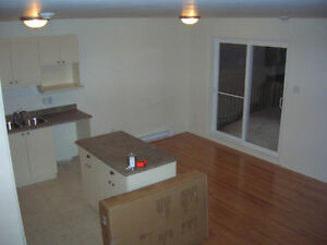 Beautiful townhouse condo for rent in Ile Perrot