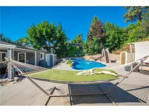 Lake View Oasis New Renovated Home with New Hot Tub & Pool