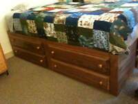 Single Bed with 4 Drawers, in Excellent Condition