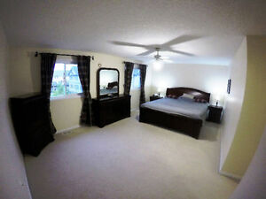 Perfect 3 Bedroom Family House In Laurelwood