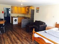 Large Modern Studio in Hounslow with direct access to the Garden/Council Tax & Bills Included /