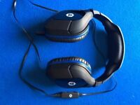 Gioteck gaming headphones with built in microphone & volume control