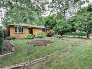 ♥♥ JUST LISTED in Welland!  Great Location in Chippawa Park ♥♥