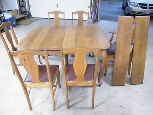 Vintage Refurbished Oak dinning table and chairs