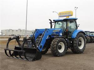 2015 New Holland T6.180 Plus MFWD Tractor with Loader & Grapple