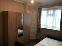 LOVELY DOUBLE ROOM IN GREENFORD NORTHOLT