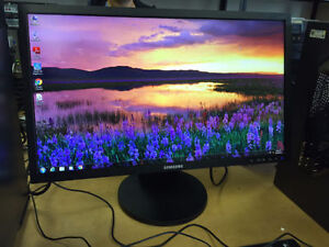 """Wide Flat LCD/LED Screen, w/Cords, 17""""-24"""", from 25$, HDMI"""