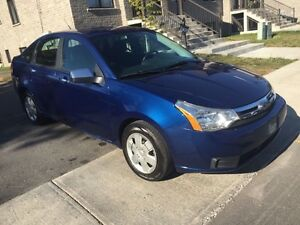 2009 Ford Focus automatic -full - seulement 115000km