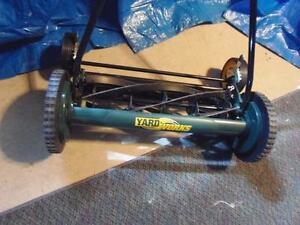 "Yardworks Reel Mower (22"")"