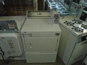 1001383 ENSEMBLE LAVEUSE/SECHEUSE COMMERCIALE WHIRLPOOL ** SET OF COMMERCIAL WHIRLPOOL WASHER& DRYER