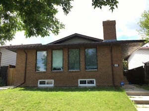 Recently renovated 2600sq NW Beddington Home for rent!