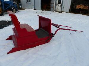 Traineau / sleigh d'hiver pour chevaux