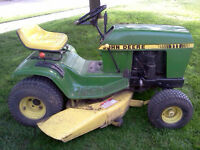John Deere 111 Riding lawnmower
